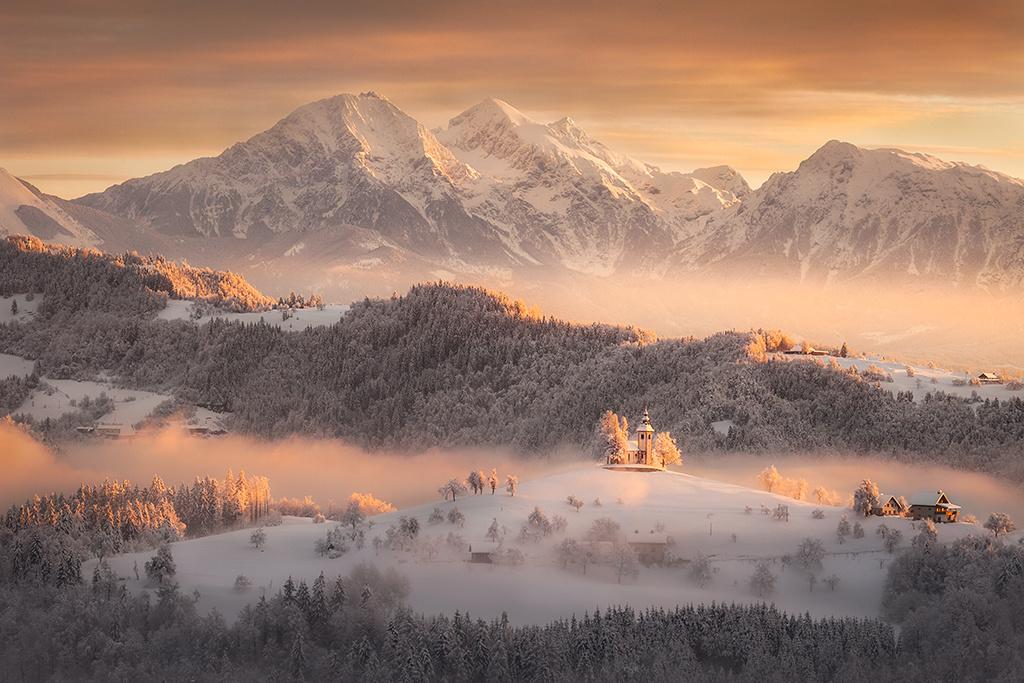 Slovenian winter by Piotr Skrzypiec