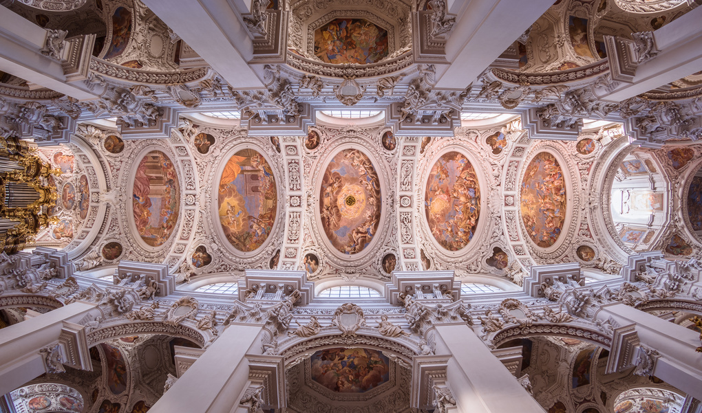 St. Stephan Cathedral, Germany. by Stas Aleksandersson