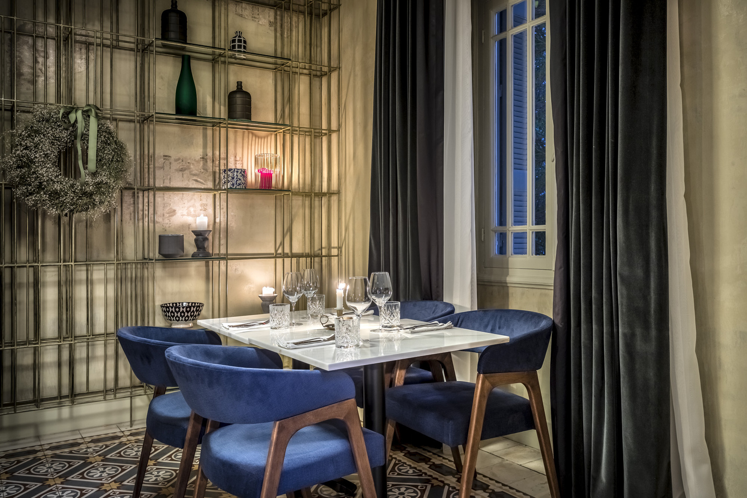 Parla Restaurant, Athens by Thomas Gerasopoulos