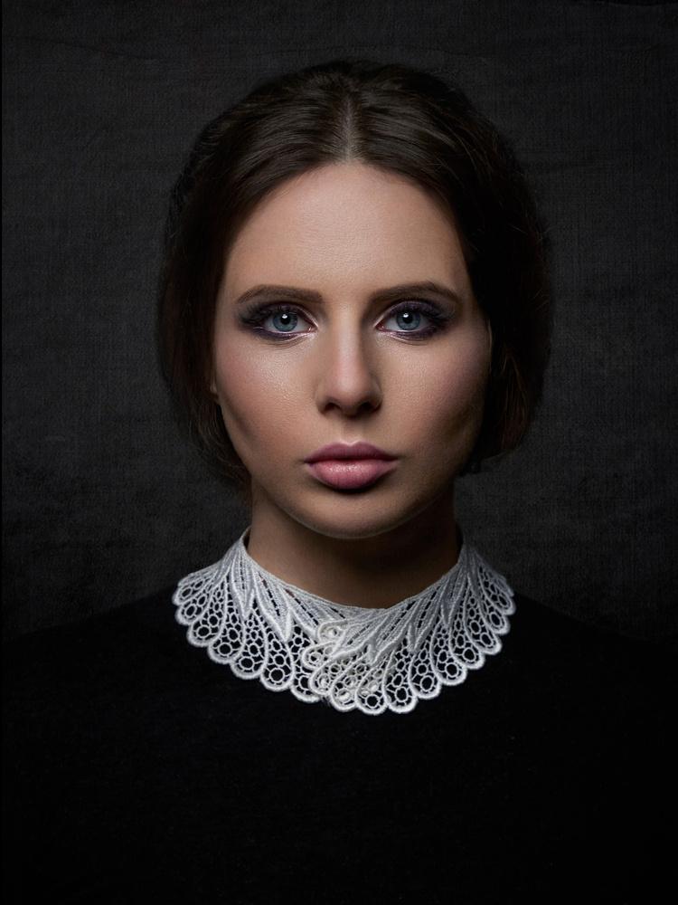 Classic Portrait by Samuel Zlatarev