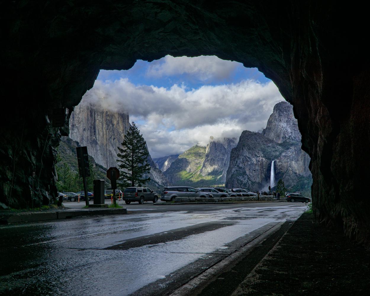 Tunnel View - Yosemite by John Bessette