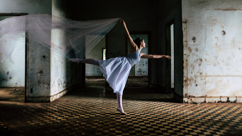 Ballerina by Moises Moura