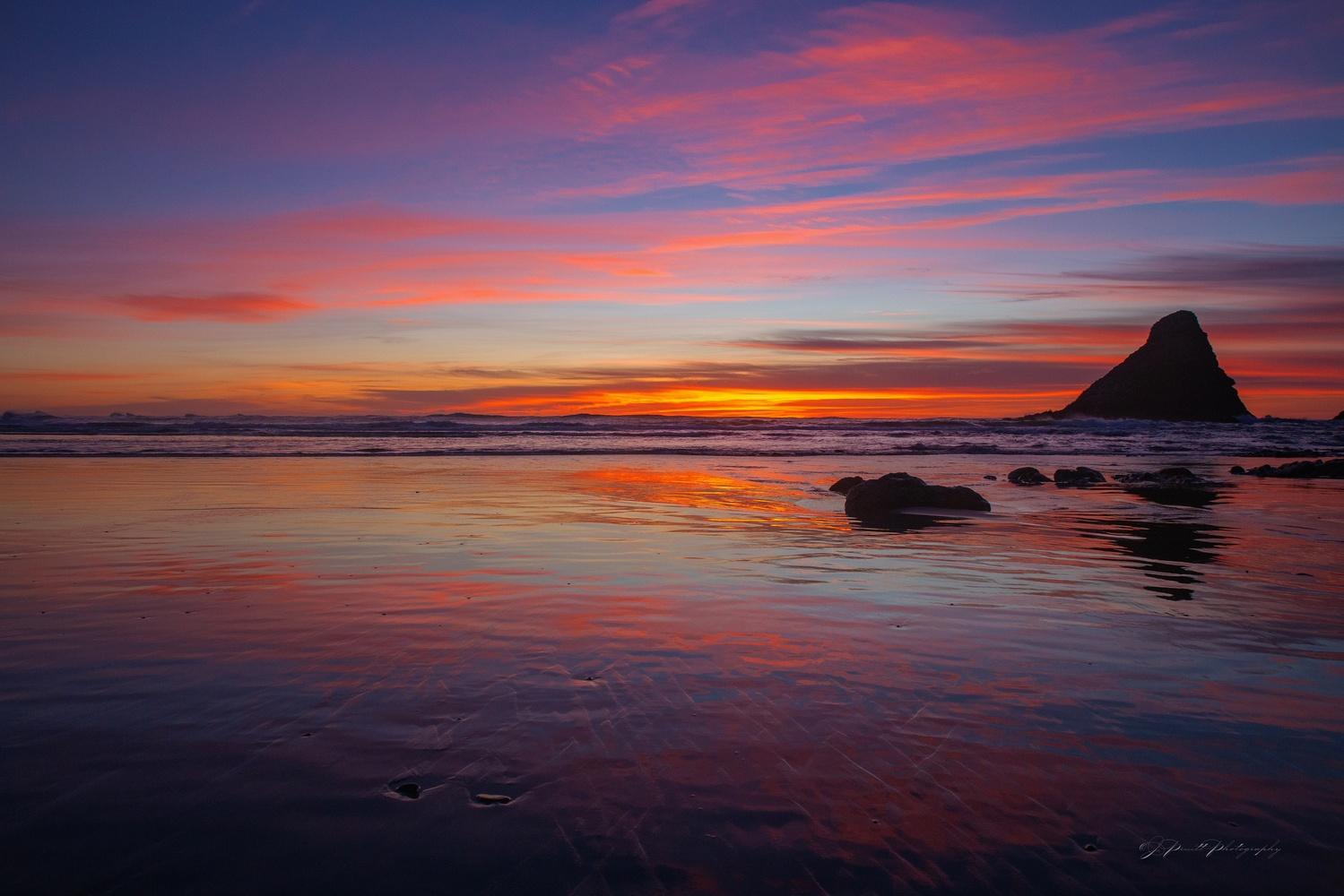 Hecata Sunset by Joel Thompson
