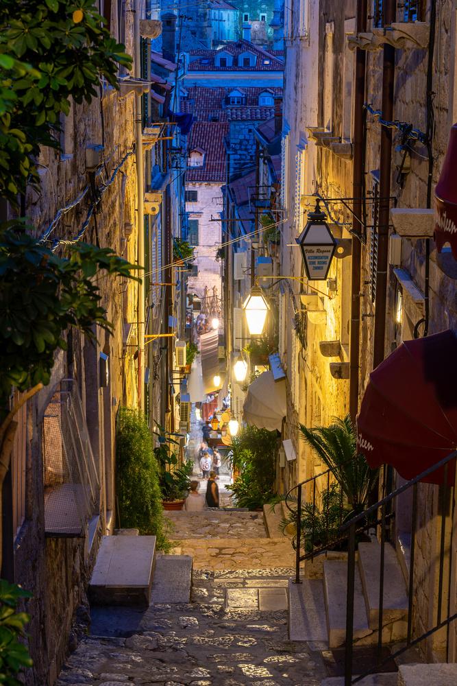 Dubrovnik street in the night by Carlos Macias