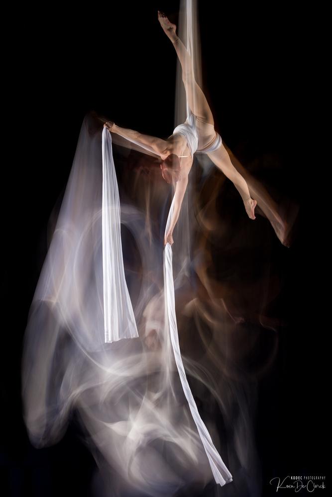 Aerial silk drop by Koen De Clerck