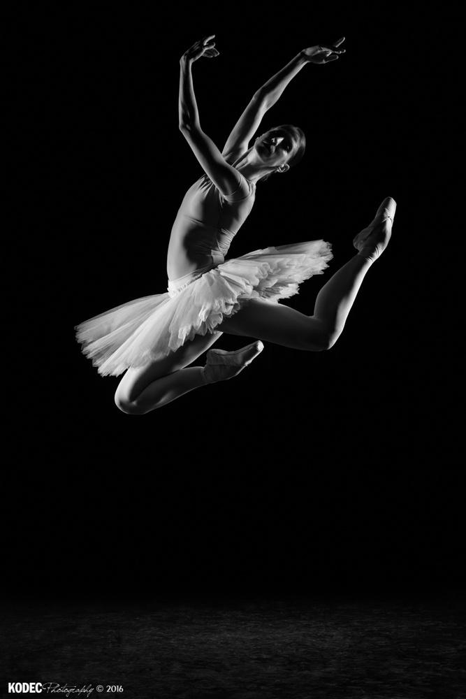 Ballerina Maria by Koen De Clerck