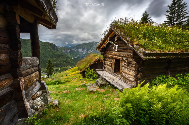 Huldreheimen by Marcin Kowalski