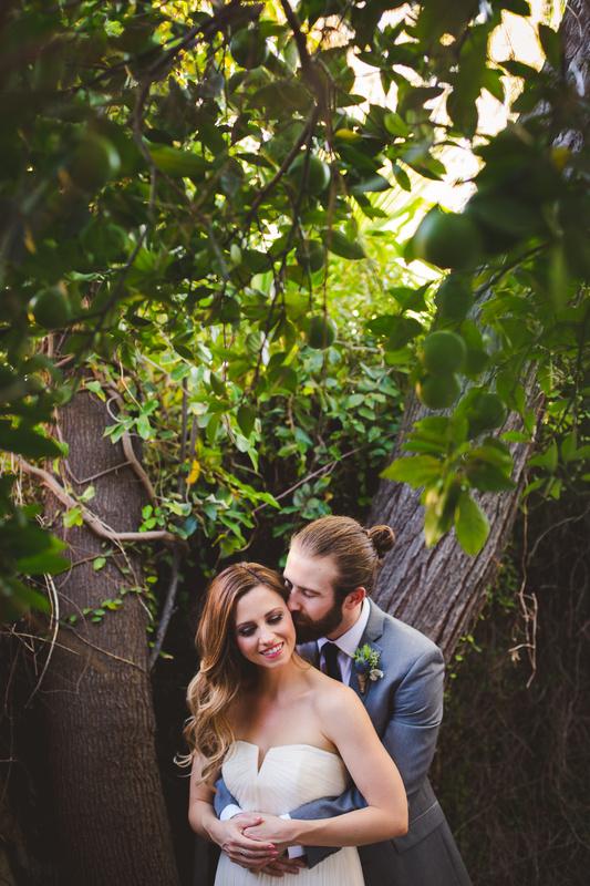 Backyard Wedding Tempe by Aaron Kes