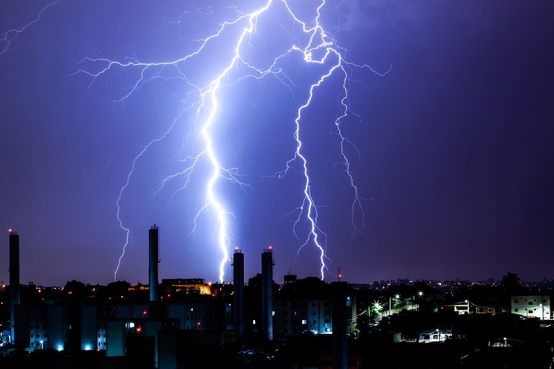 Thunder Storm by Fabricio Bomjardim