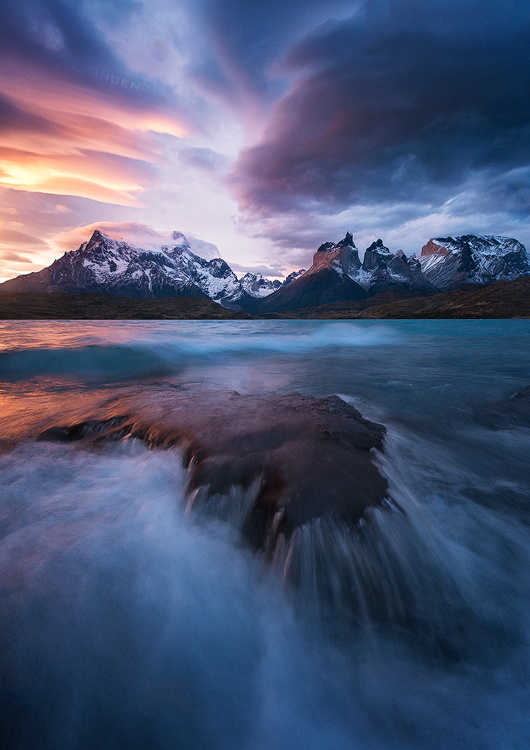 Patagonian winds- Lago Pehoe by Felix Inden