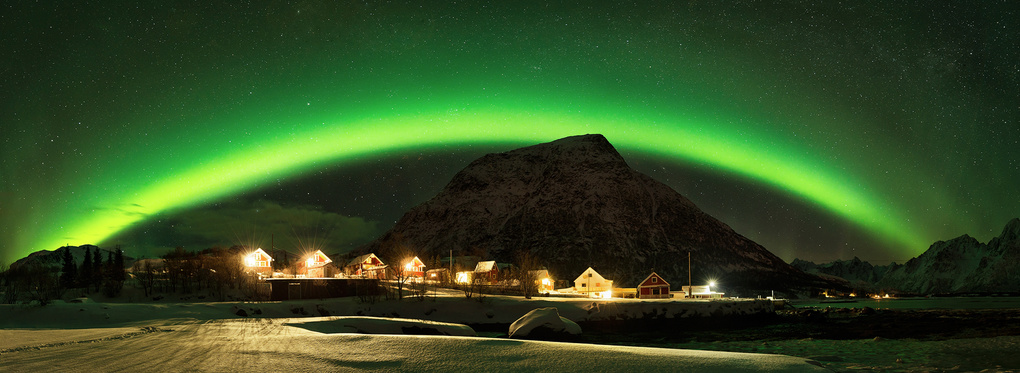 living under auroras by Felix Inden