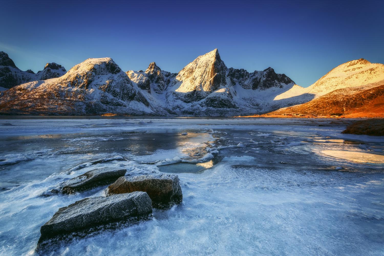 Frozen... by Rickard Eriksson