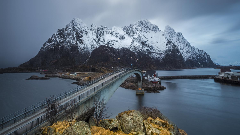 Henningsvær Bridge by Rickard Eriksson