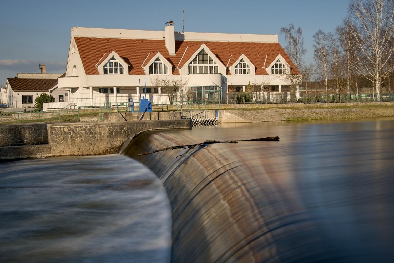 Weir by Ondřej Pollak