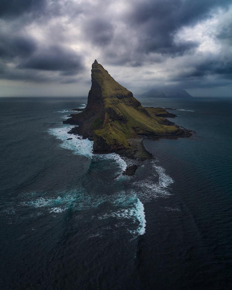 Tindhólmur by Tor-Ivar Næss