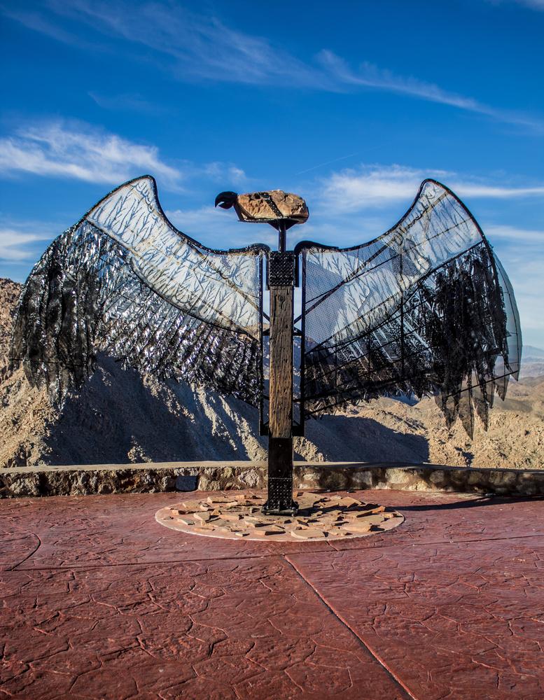 Bird statue by Omar Ramos