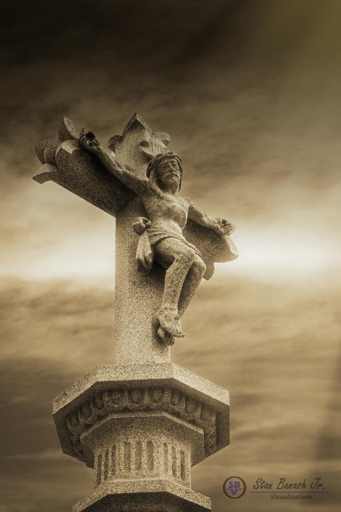 La Cruz de Santiago de Compostela by Stan Banash
