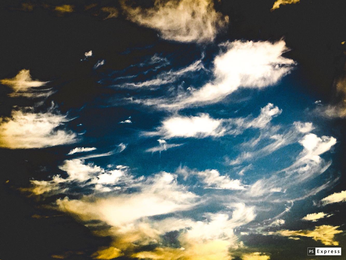 Dramatic sky by Jo Martin