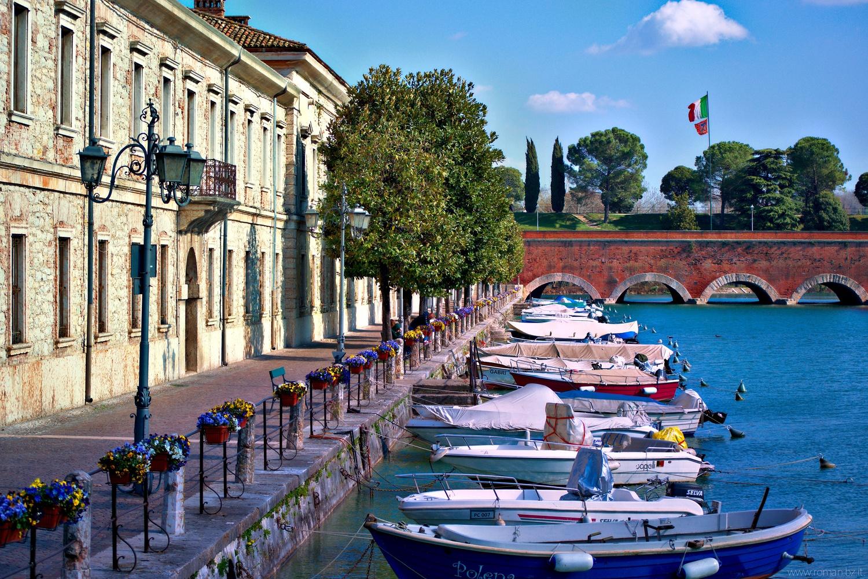 Mincio river by Giulio Roman