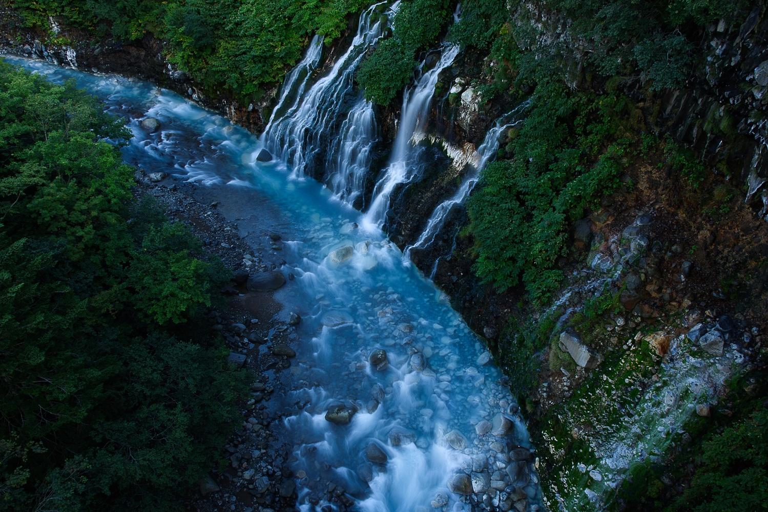 Shirahige waterfall by Masataka Inada
