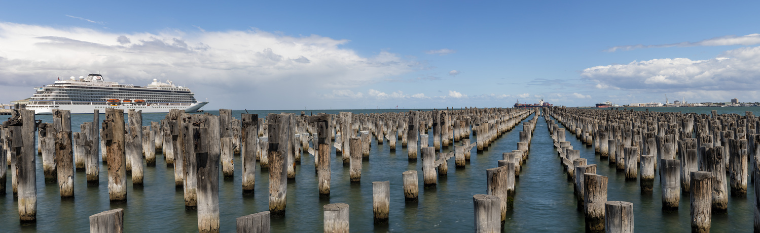 Princes Pier in Port Melbourne by Stephen Scully