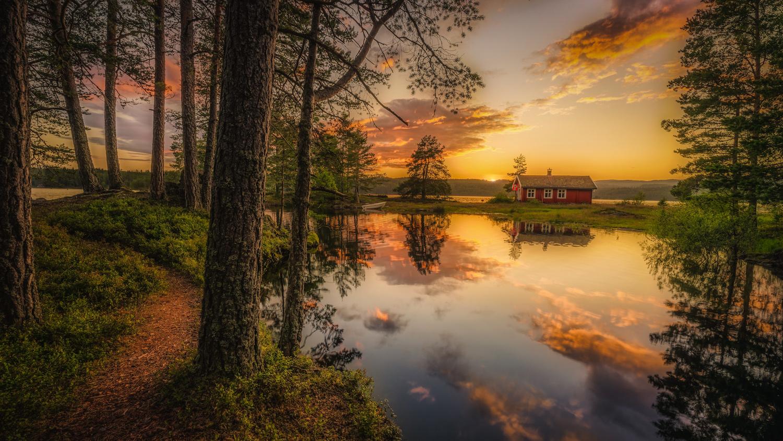 Norwegian cabin. by Hans Strand