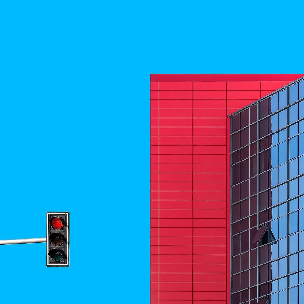 Red alert by Alon Jacobi