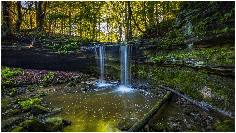 Harmony Falls by Daniel Frost