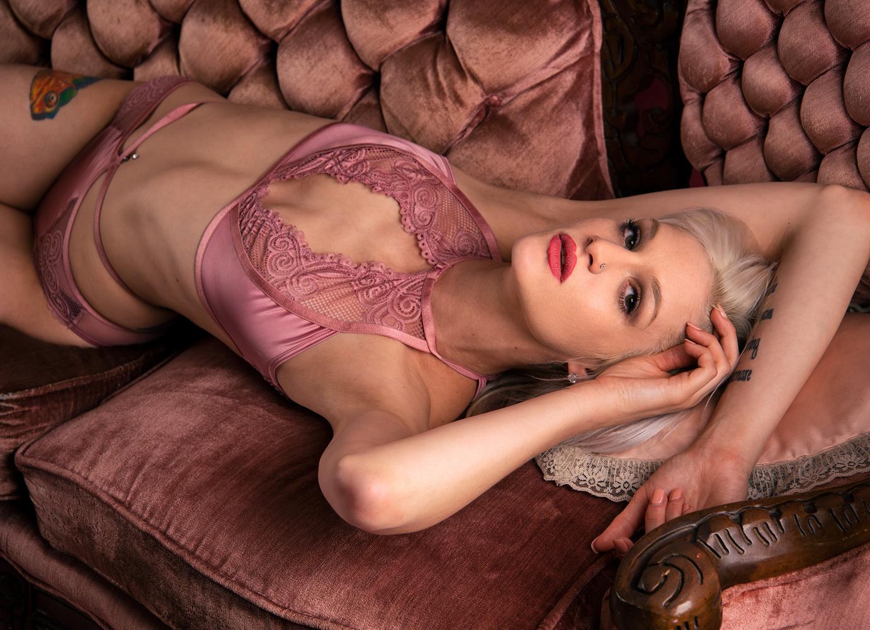 Blonde Beauty by Dan Howell
