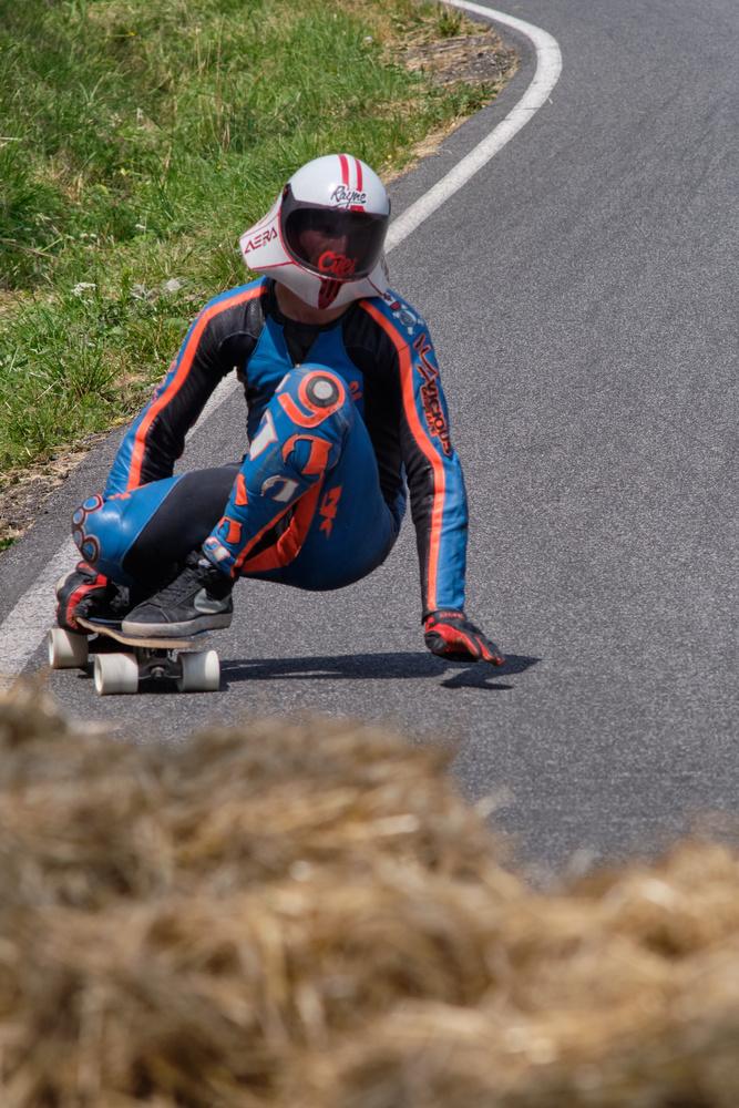 Downhill sk8 by Jonas Novak