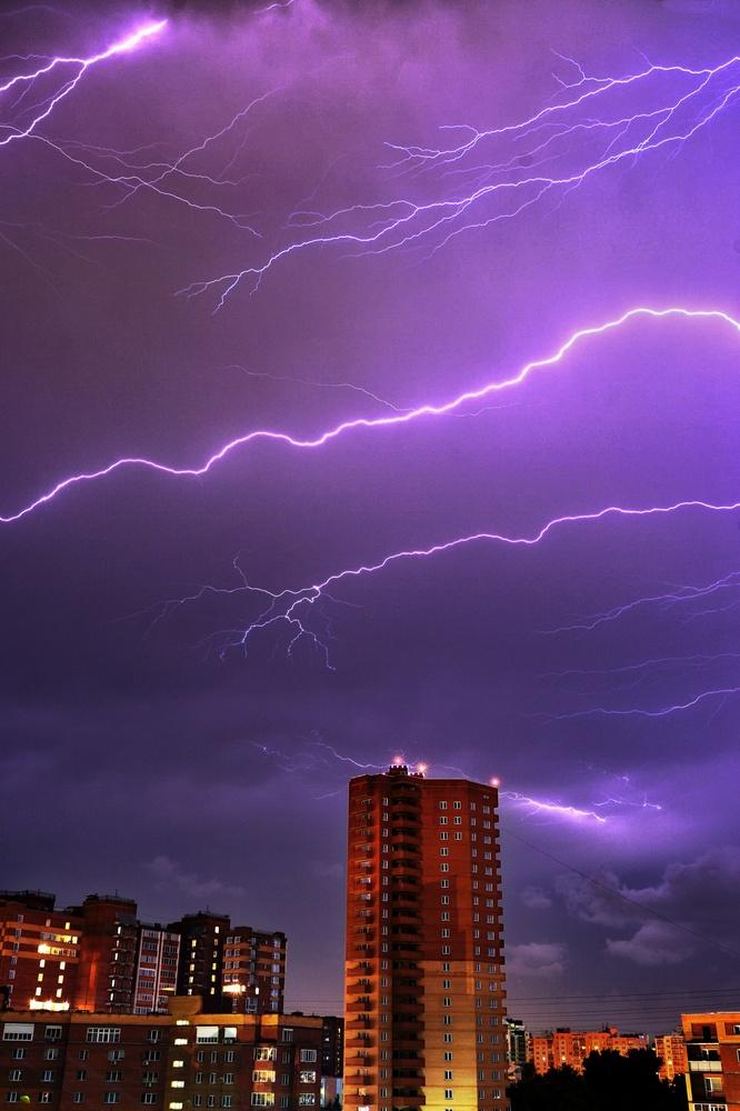 Lightning by Sergey Koveshnikov