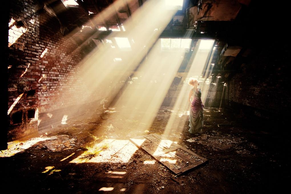 Light Dancer by Richard Terborg