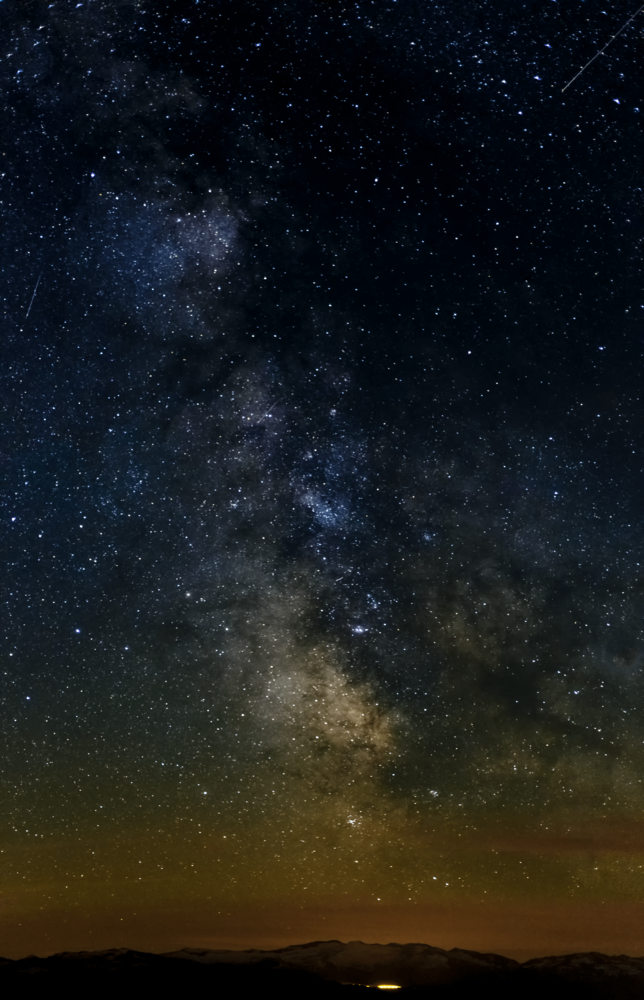 hill top MIlky way by Tian HO