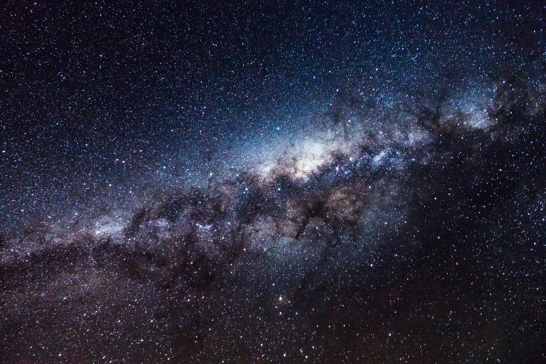 Milky way by Rodrigo Valdez