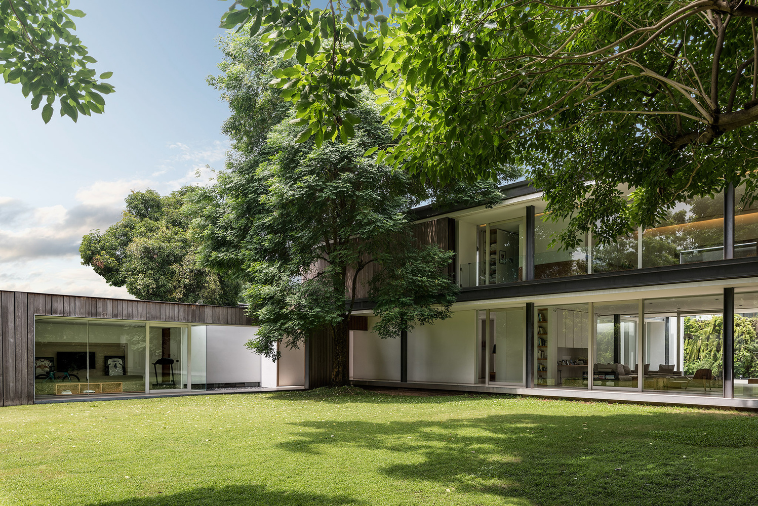 Private Residence Designed by MPD Studio Exterior Shot A by Adisorn Ruangsiridecha