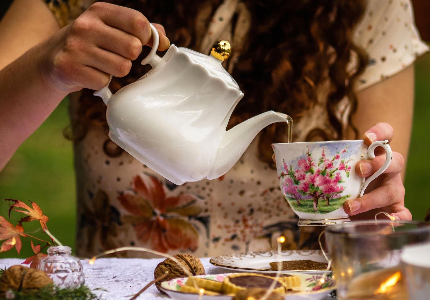 Tea Party by Luca Groenendijk