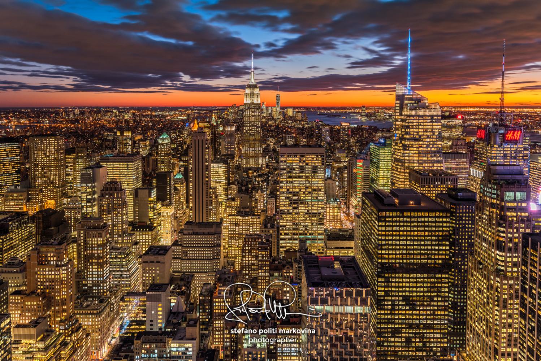 Midtown Manhattan skyline at sunset, New York, USA by Stefano Politi Markovina