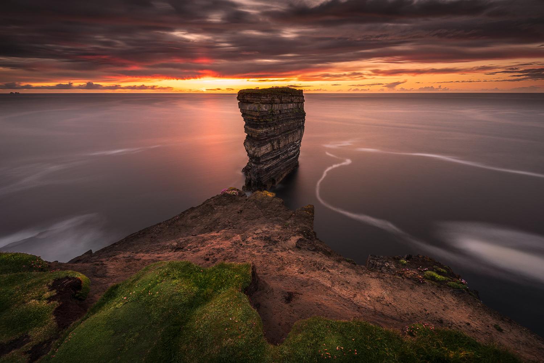 Dun Briste, Downpatrick Head by RYSZARD LOMNICKI