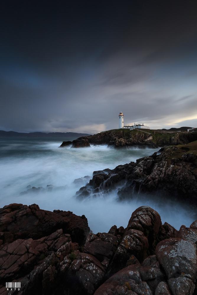 Fanad Head Lighthouse by RYSZARD LOMNICKI