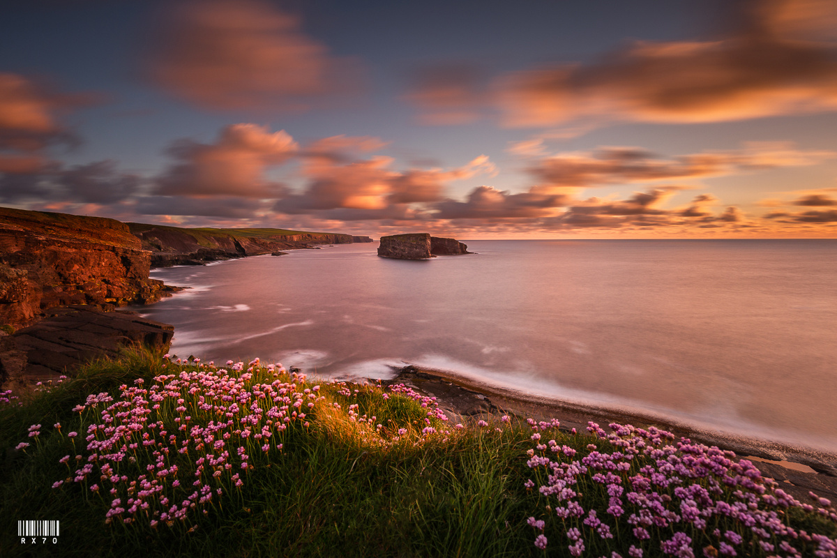 Kilkee Cliffs by RYSZARD LOMNICKI