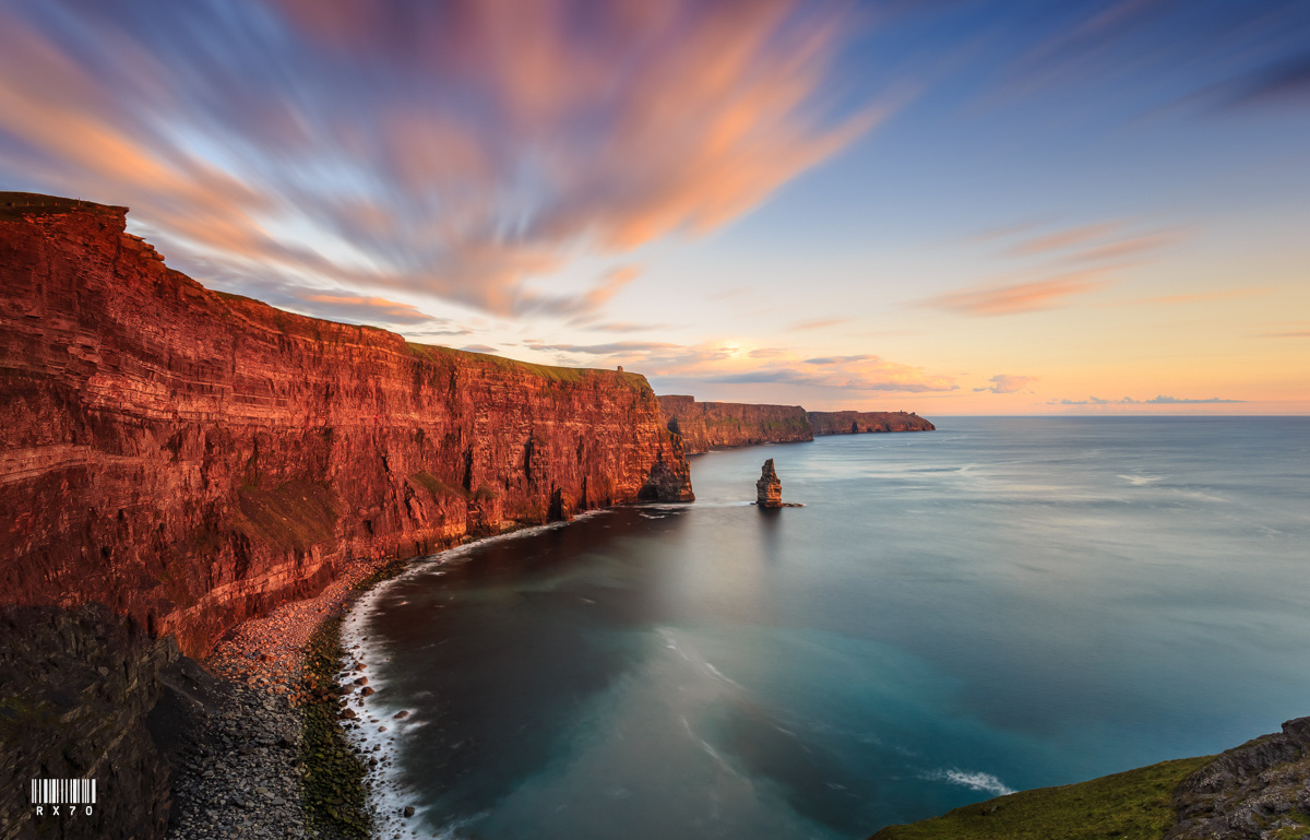 Cliffs of Moher by RYSZARD LOMNICKI