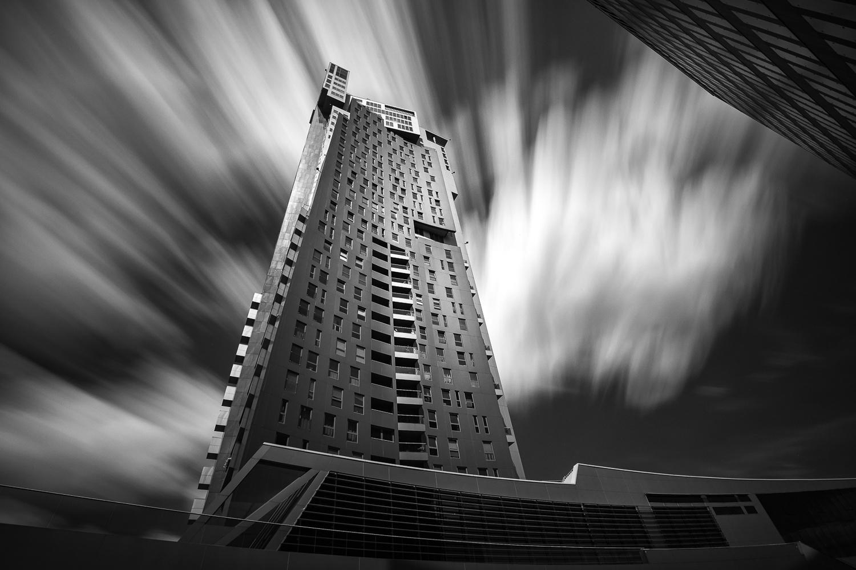 Sea Towers by RYSZARD LOMNICKI