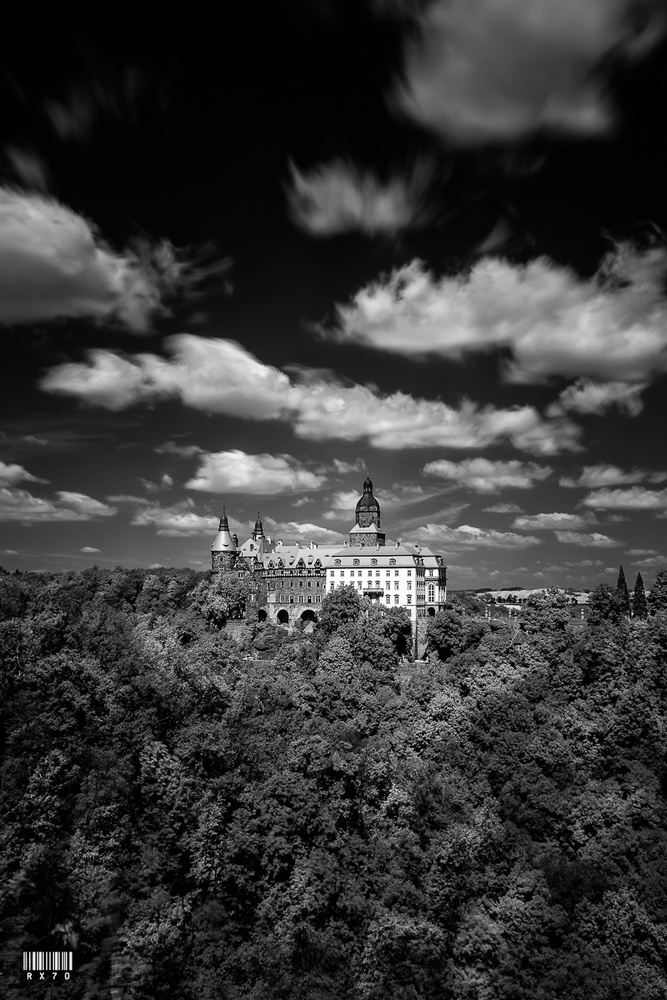 Ksiaz Castle by RYSZARD LOMNICKI
