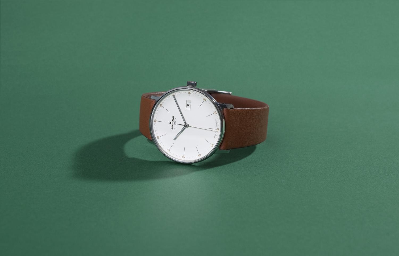 Watch 2 by Stefan Gonzalevski