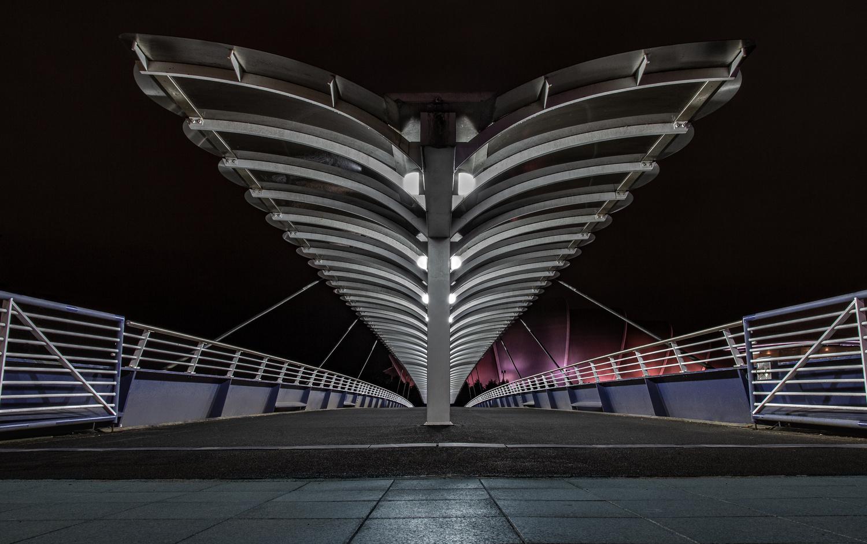 Bell's Bridge in Glasgow by Peter Scholz