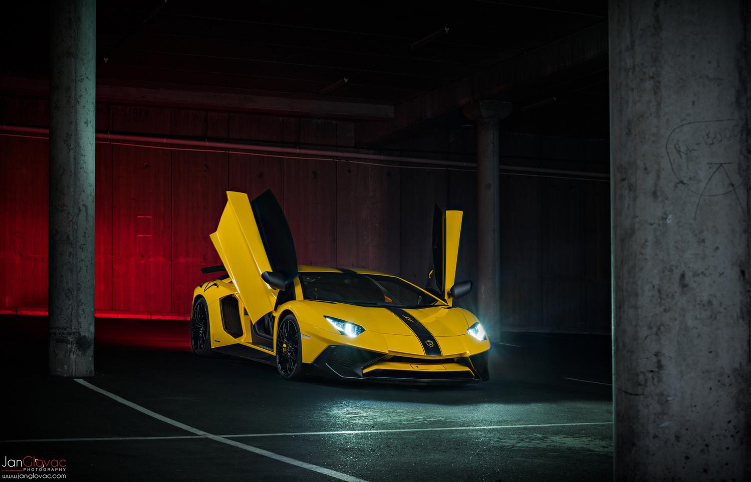 Lamborghini Aventador SV by Jan Glovac