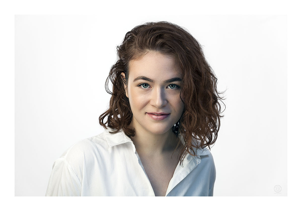 Portrait of an actress by Nikolay Mirchev
