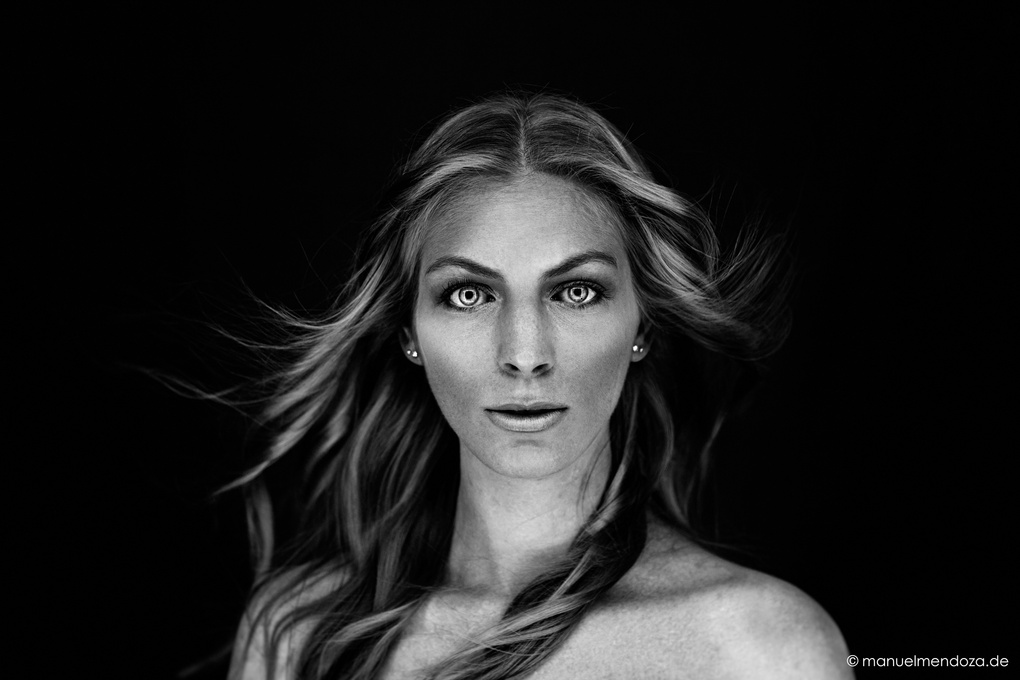 black & white by Manuel Mendoza