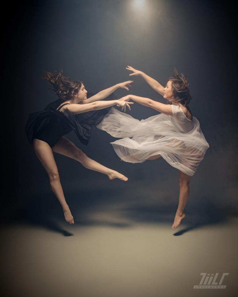 Bayleigh & Cierra | YING & YANG by TiiLT Imagewerks