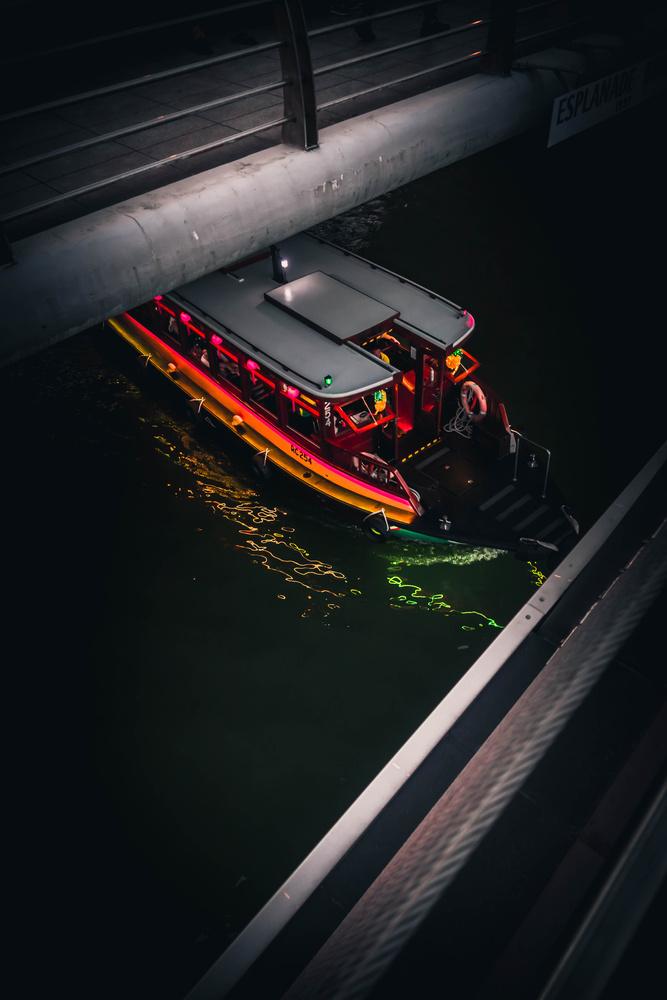 Singapore river boat by Calum Kozma